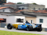 Photos of Renault R23 2003