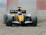 Pictures of Renault R28 2008