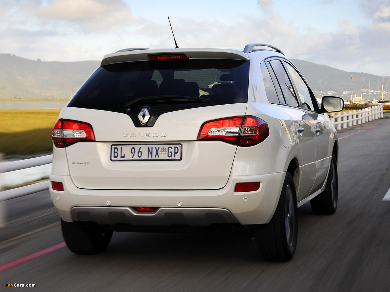 Renault Koleos ZA-spec 2012 photos (1280 x 960)