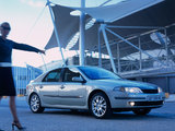Images of Renault Laguna Hatchback 2000–05