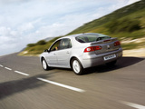 Images of Renault Laguna Hatchback 2005–07