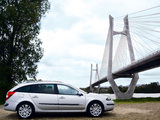 Photos of Renault Laguna Break 2005–07