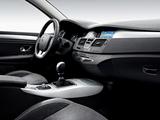 Photos of Renault Laguna Hatchback 2007–10