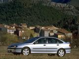 Renault Laguna Hatchback 1998–2000 images