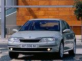 Renault Laguna Hatchback 2000–05 images