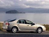 Renault Laguna Hatchback 2005–07 pictures