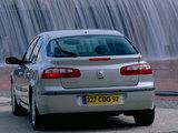 Renault Laguna Hatchback 2000–05 wallpapers