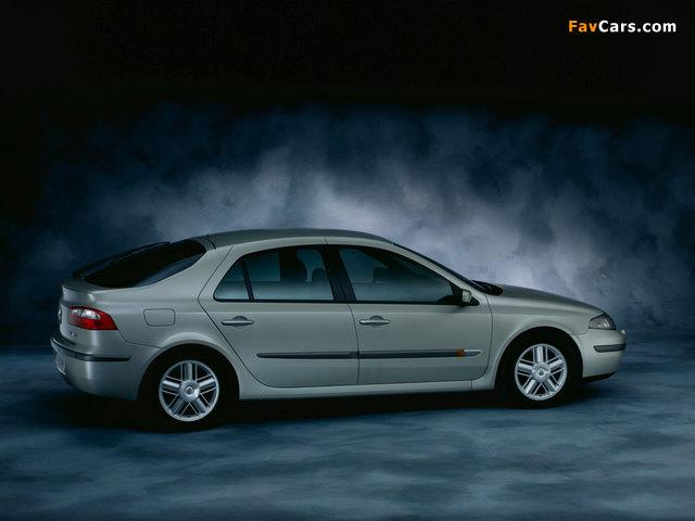 Renault Laguna Hatchback 2000–05 wallpapers (640 x 480)