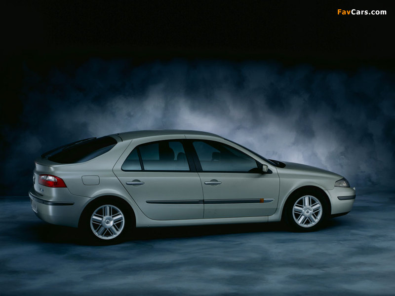 Renault Laguna Hatchback 2000–05 wallpapers (800 x 600)