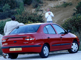 Images of Renault Megane Classic 1999–2003