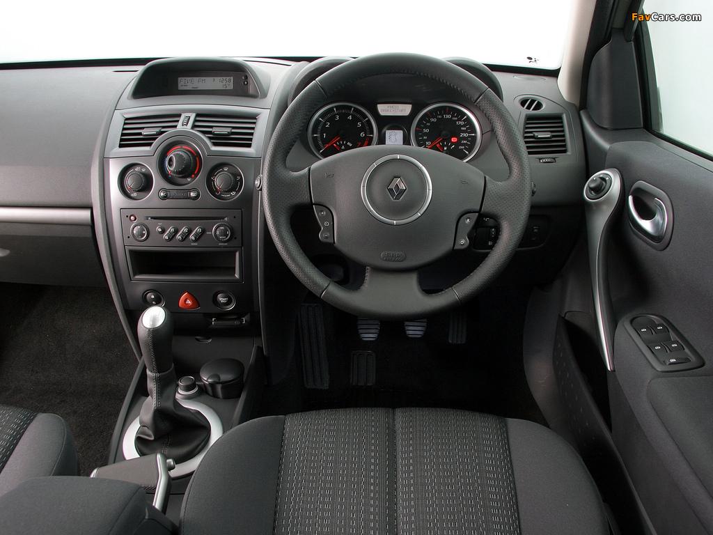 Photos of Renault Megane 5-door ZA-spec 2006–09 (1024 x 768)