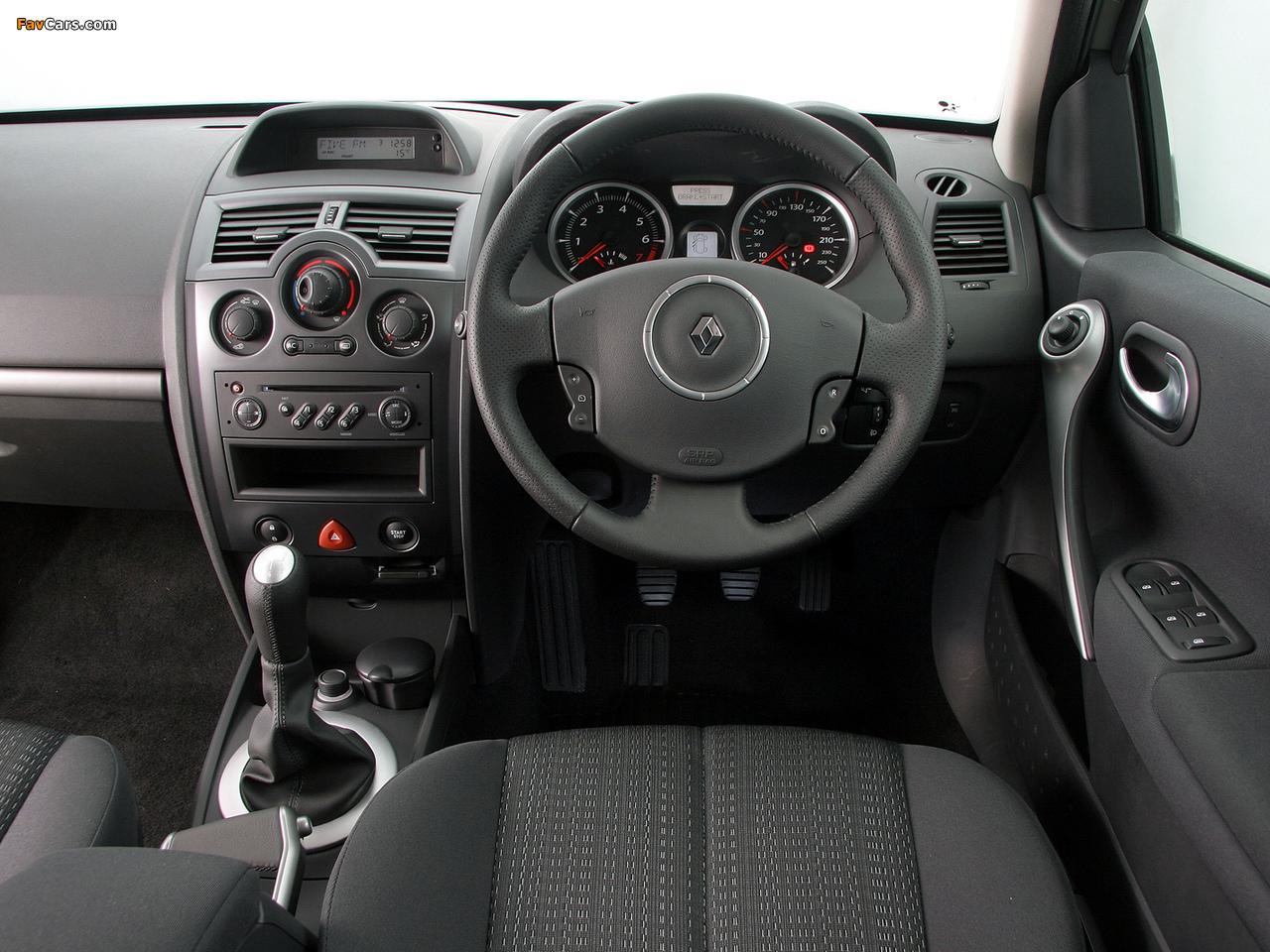 Photos of Renault Megane 5-door ZA-spec 2006–09 (1280 x 960)