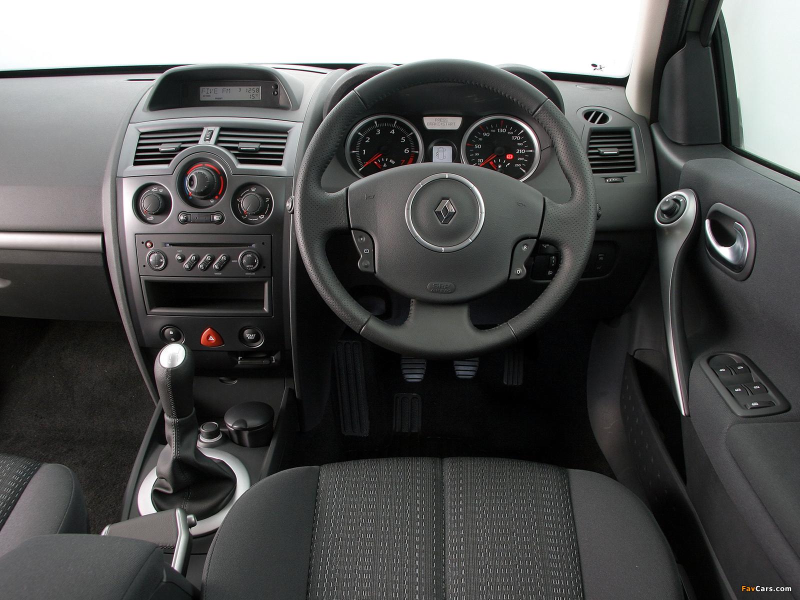 Photos of Renault Megane 5-door ZA-spec 2006–09 (1600 x 1200)