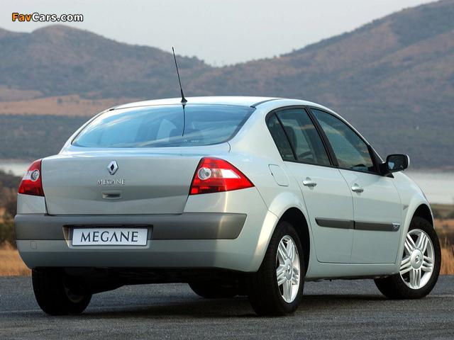 Pictures of Renault Megane Classic ZA-spec 2003–06 (640 x 480)