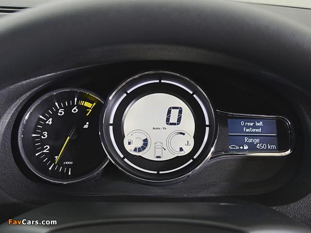 Pictures of Renault Mégane GT Line Coupé ZA-spec 2012–14 (640 x 480)