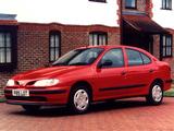 Renault Megane Classic UK-spec 1996–99 pictures