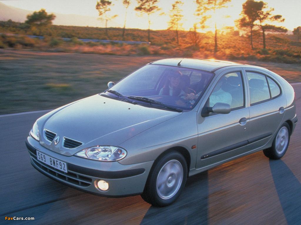 Renault Megane Hatchback 1999–2003 wallpapers (1024 x 768)