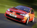 Renault Megane RS 3-door 2004–06 photos
