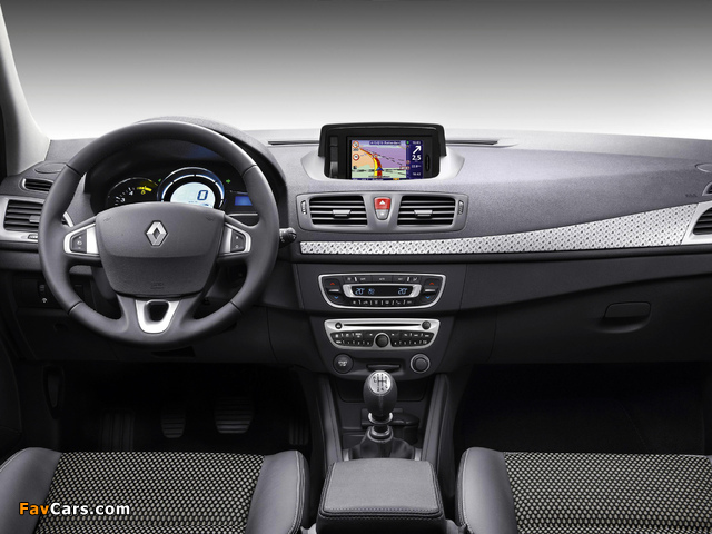 Renault Mégane XV de France 2011 photos (640 x 480)