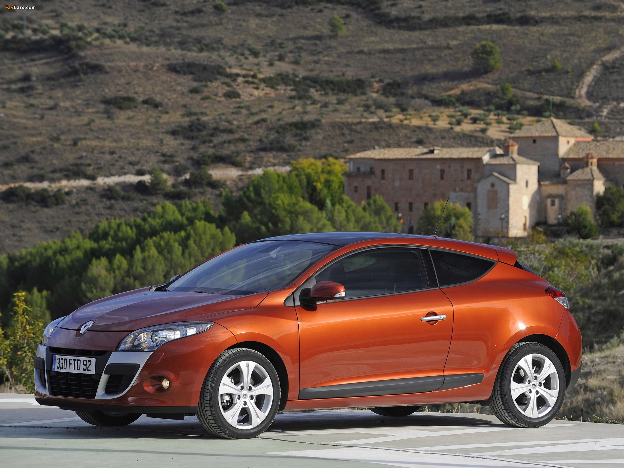 Renault Megane Coupe 2009 wallpapers (2048 x 1536)
