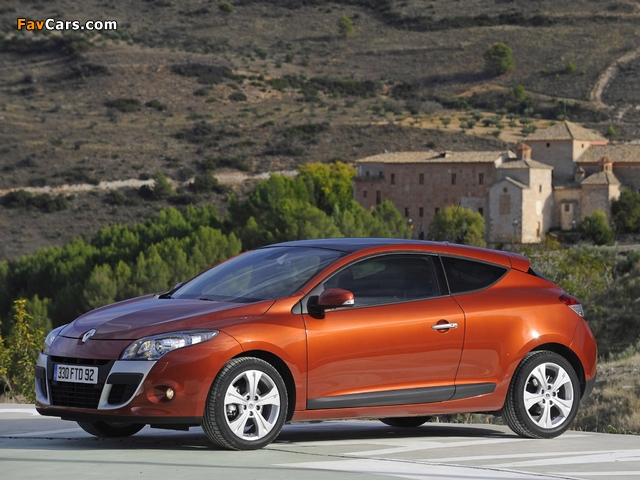 Renault Megane Coupe 2009 wallpapers (640 x 480)