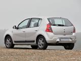 Images of Renault Sandero Vibe 2010