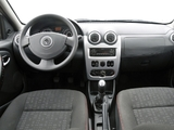 Photos of Renault Sandero Vibe 2010
