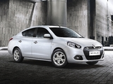 Renault Scala 2012 pictures