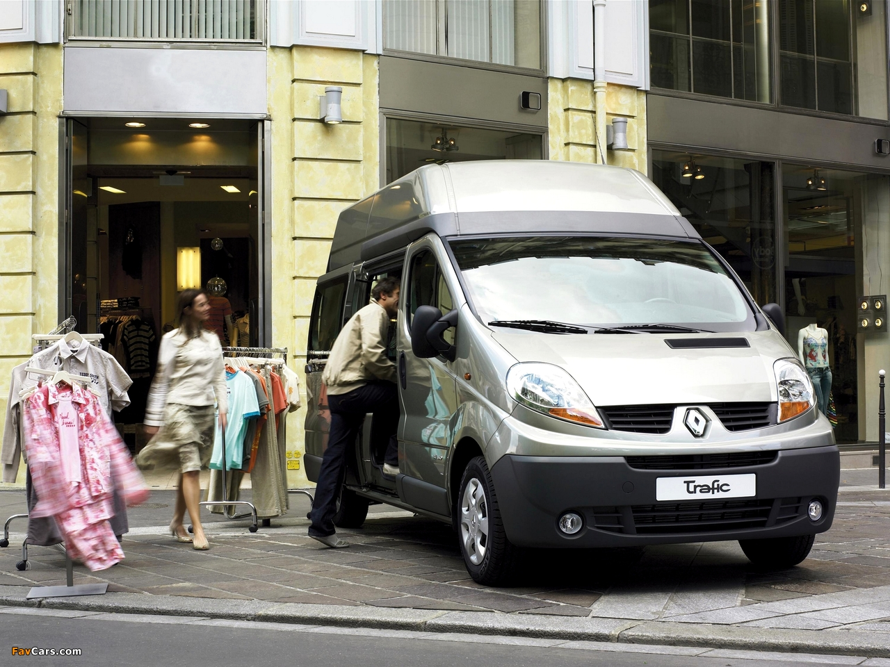 Images of Renault Trafic LWB High Roof Kombi 2006–10 (1280 x 960)