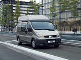 Pictures of Renault Trafic LWB High Roof Kombi 2006–10