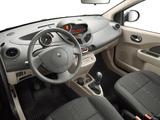Renault Twingo 2007–11 images