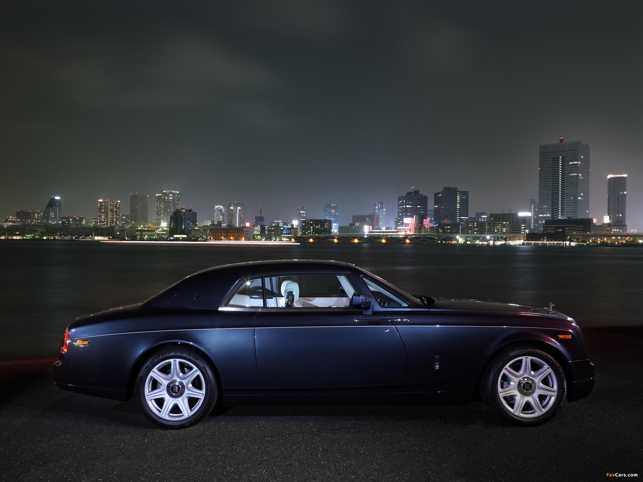 Images of Rolls-Royce Phantom Coupe UK-spec 2009–12 (2048 x 1536)