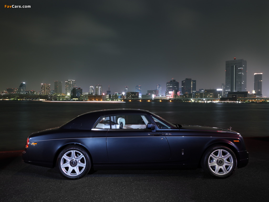Images of Rolls-Royce Phantom Coupe UK-spec 2009–12 (1024 x 768)