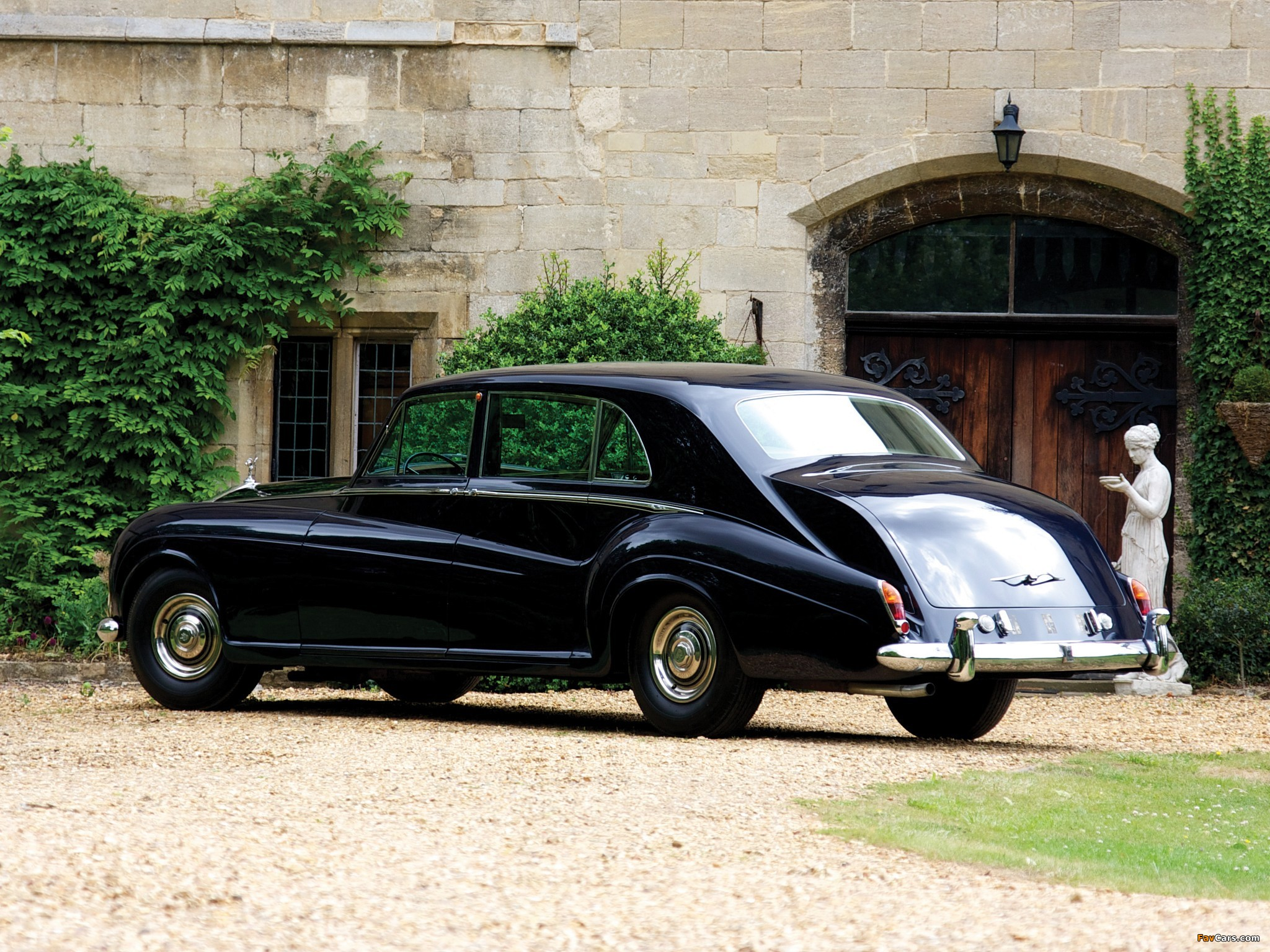 Images of Rolls-Royce Phantom V Limousine by James Young 1959–63 (2048 x 1536)