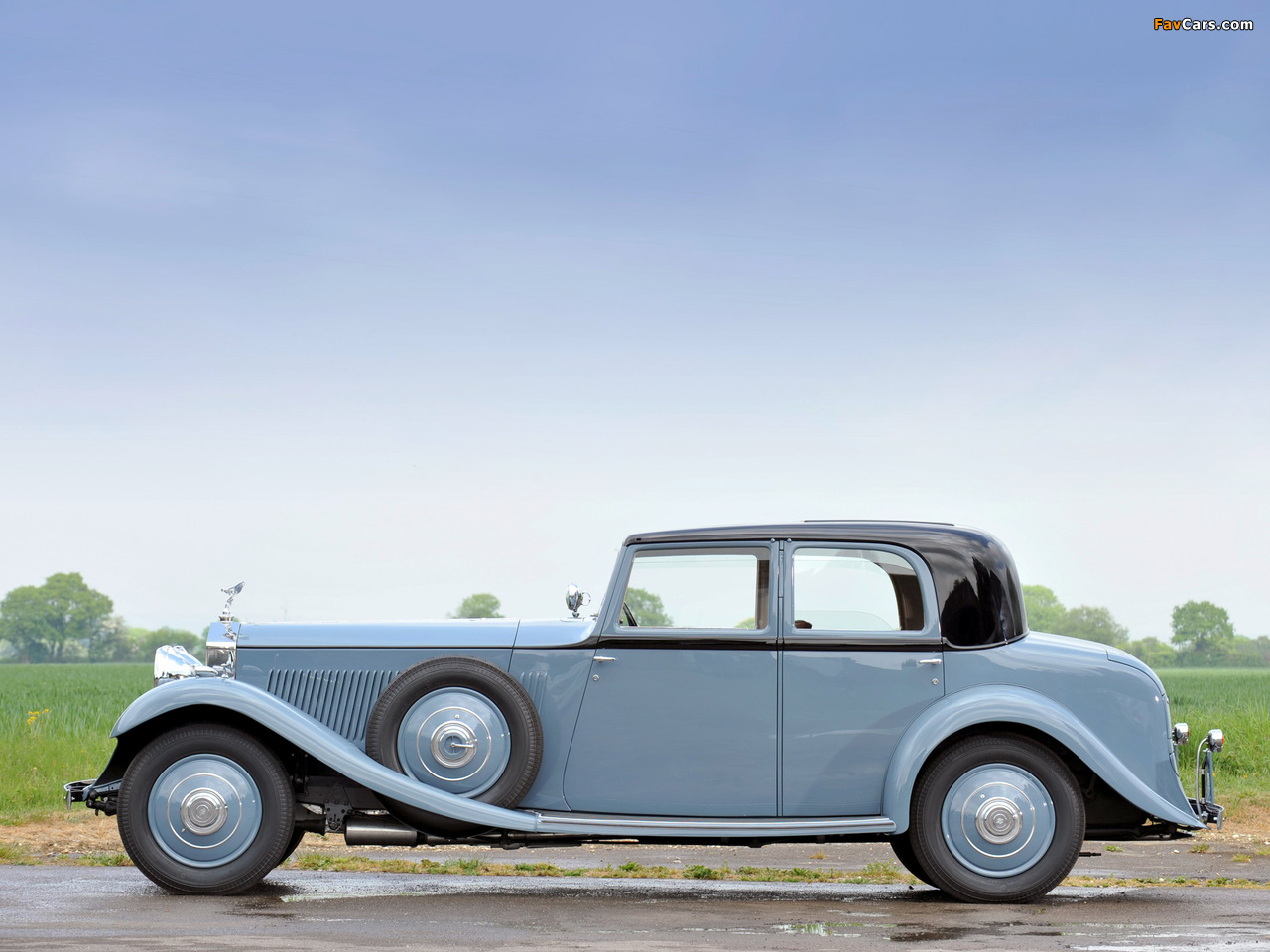 Photos of Rolls-Royce Phantom II 40/50 HP Continental Saloon by Barker 1934 (1280 x 960)