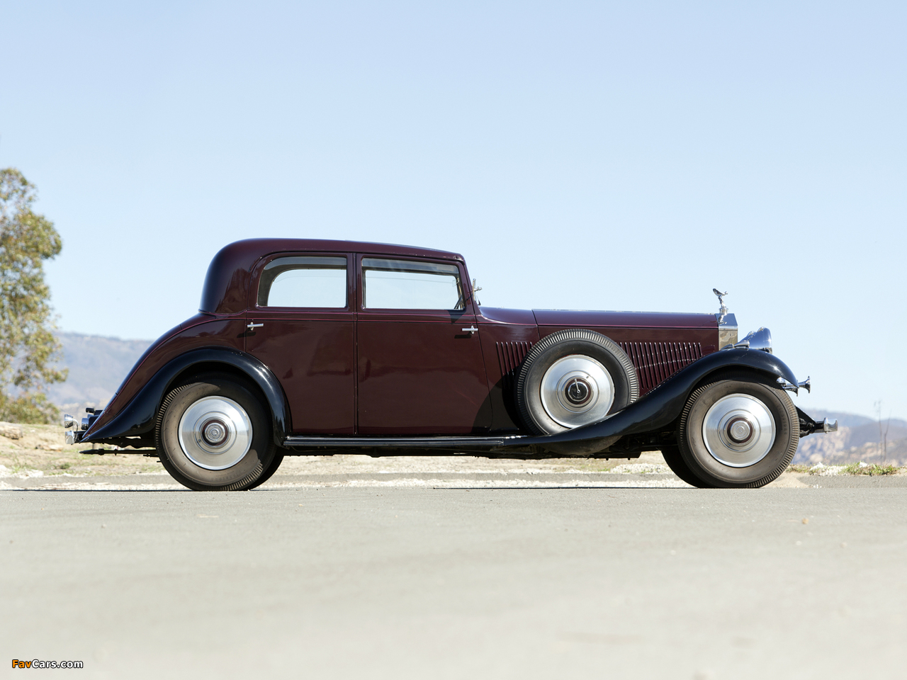 Rolls-Royce Phantom II Continental Touring Saloon by Barker 1933 pictures (1280 x 960)