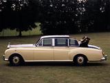 Rolls-Royce Phantom VI Landaulette by Mulliner Park Ward (VI) 1973–92 pictures