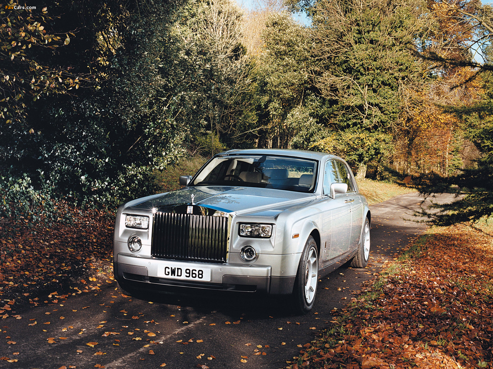 Rolls-Royce Phantom UK-spec 2003–09 photos (1600 x 1200)