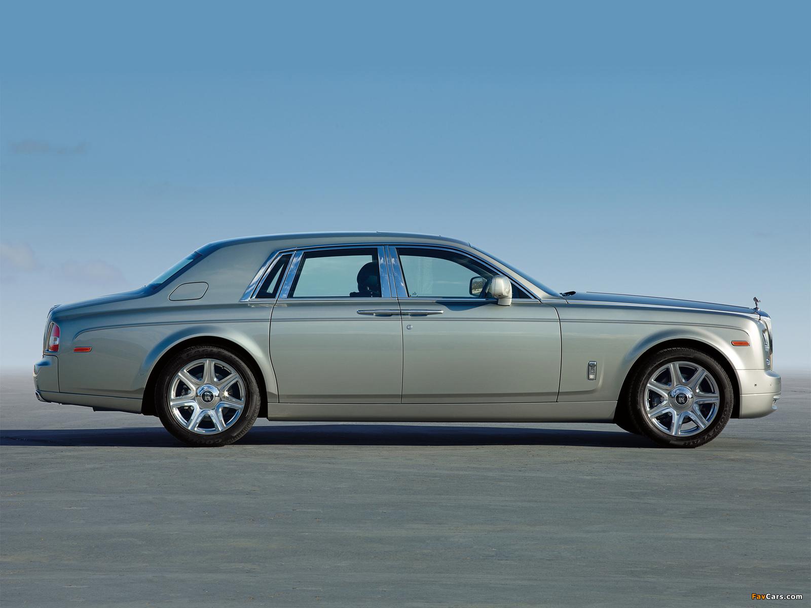 Rolls-Royce Phantom UK-spec 2012 wallpapers (1600 x 1200)