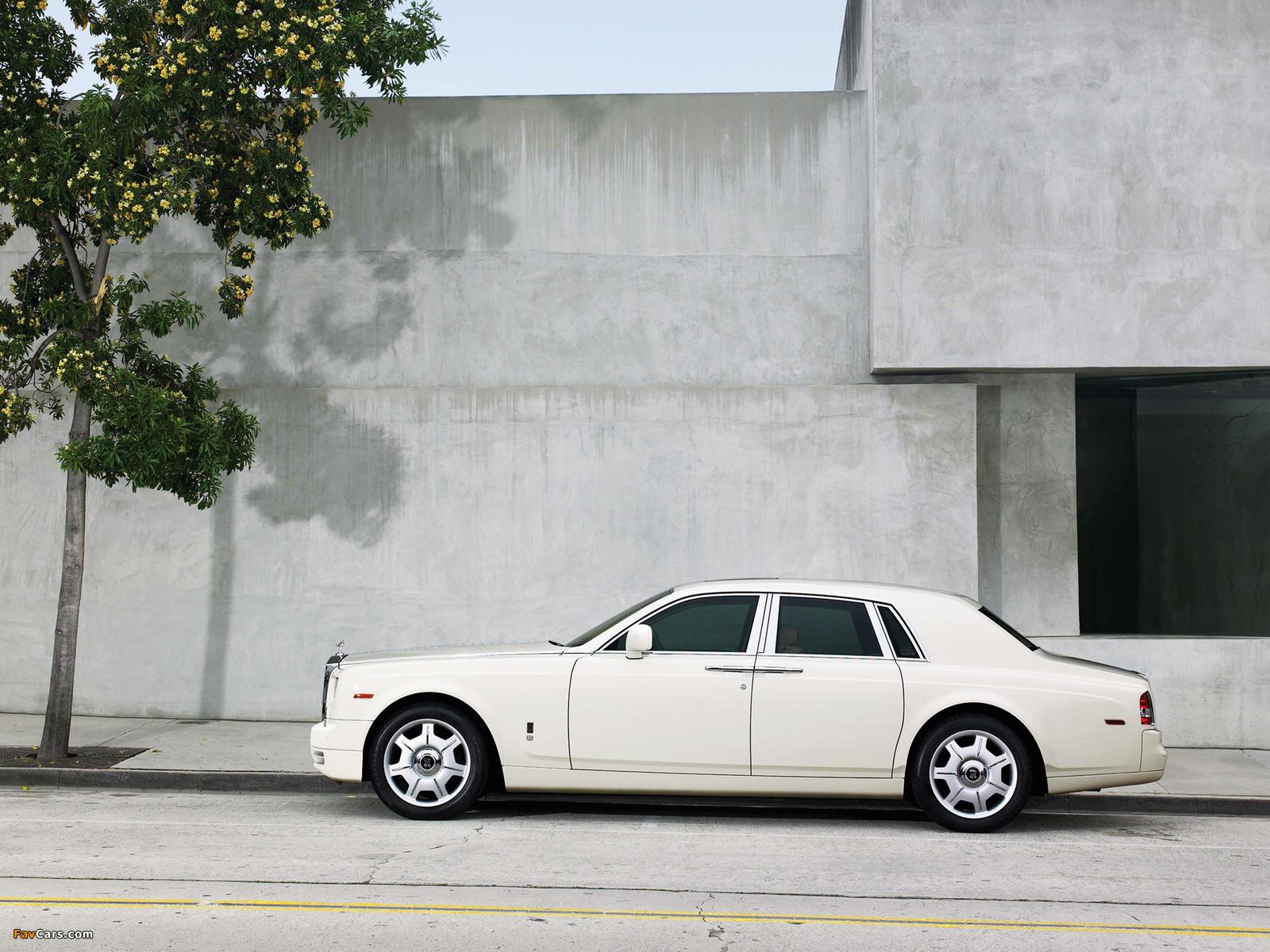 Rolls-Royce Phantom 2009 images (1600 x 1200)