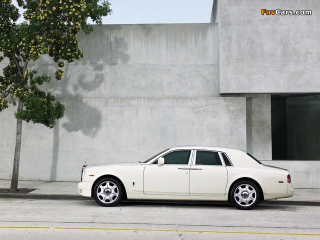 Rolls-Royce Phantom 2009 images (640 x 480)