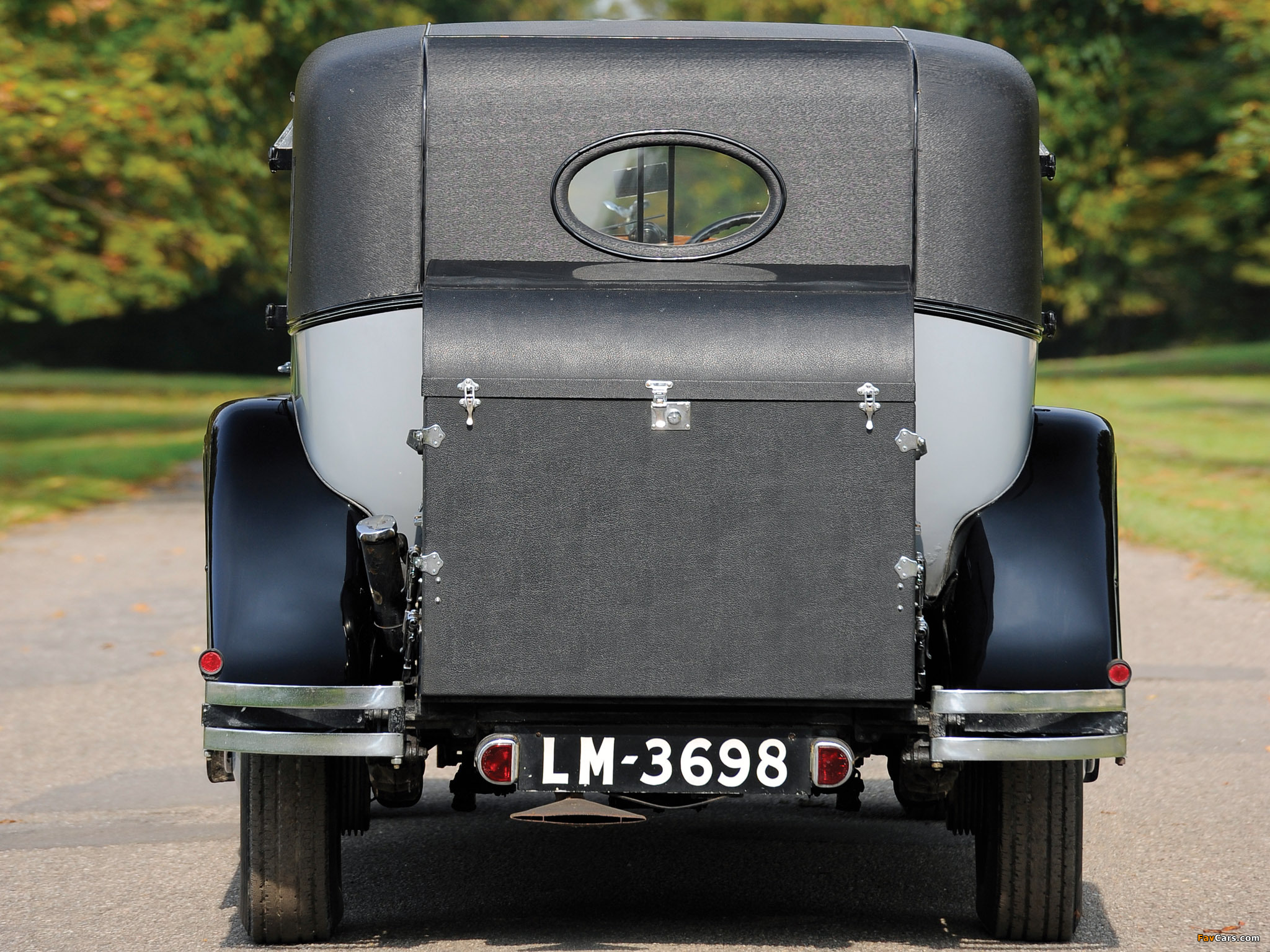 Rolls-Royce Phantom II Sedanca de Ville by Barker 1929 wallpapers (2048 x 1536)