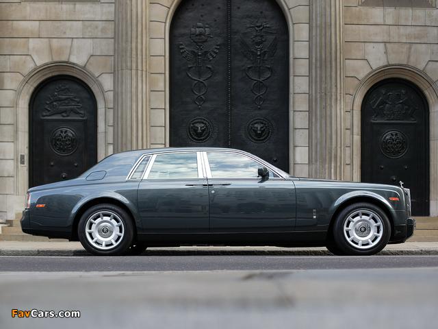 Rolls-Royce Phantom UK-spec 2003–09 wallpapers (640 x 480)
