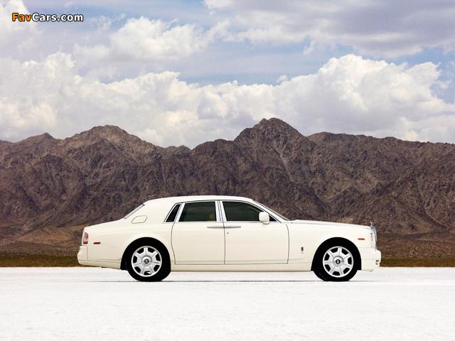 Rolls-Royce Phantom 2009 wallpapers (640 x 480)