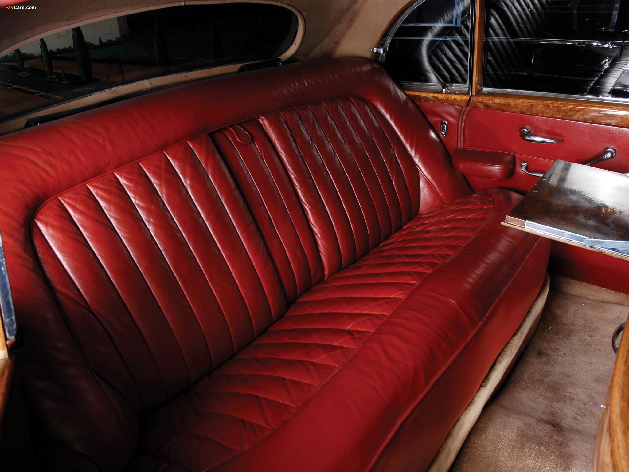 Photos of Rolls-Royce Silver Cloud Empress Saloon by Hooper (I) 1956–58 (2048 x 1536)