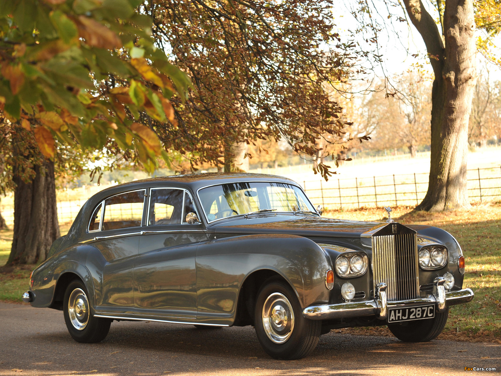 Pictures of Rolls-Royce Silver Cloud LWB Saloon by James Young (III) 1962–65 (1600 x 1200)