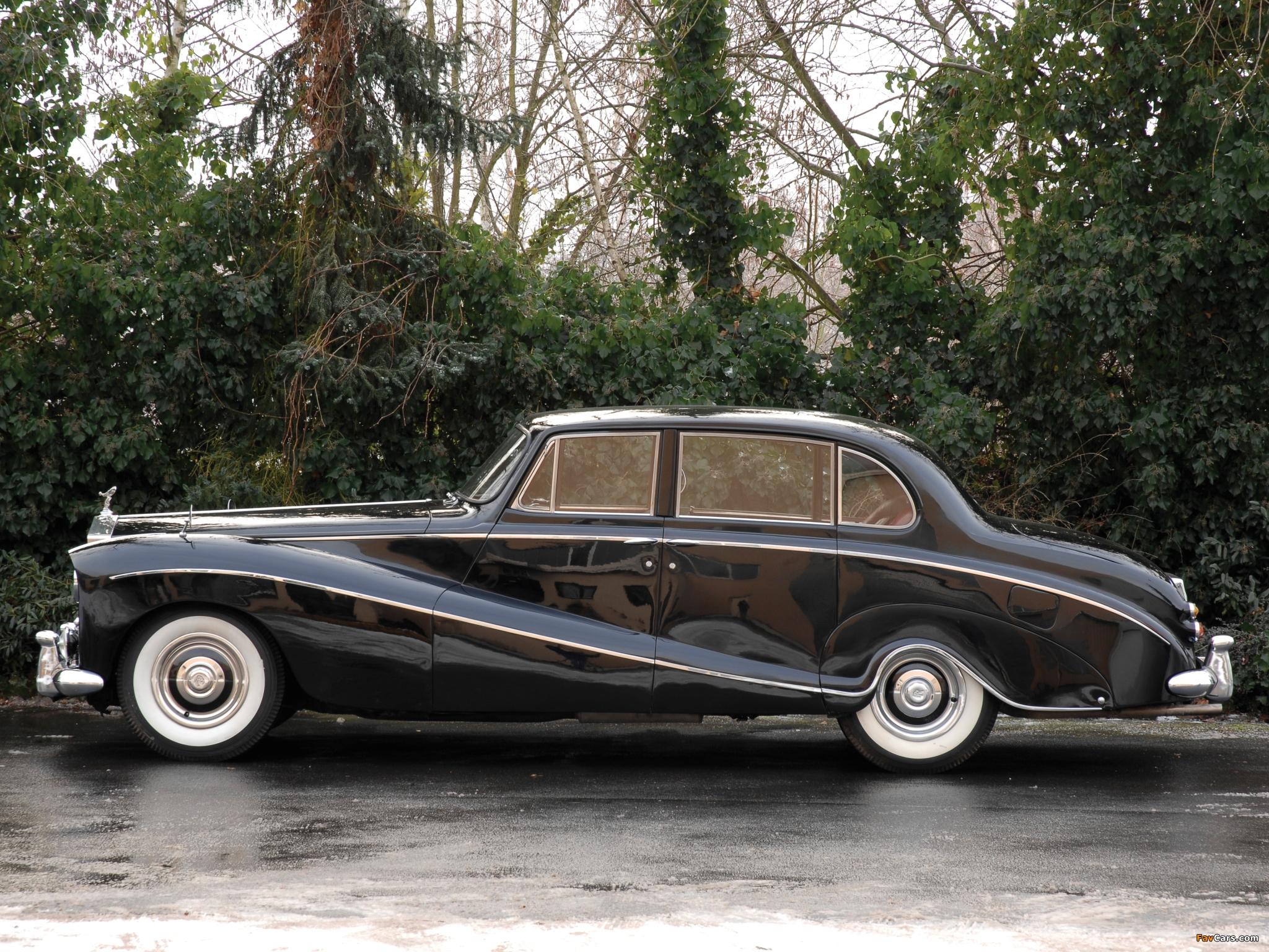 Rolls-Royce Silver Cloud Empress Saloon by Hooper (I) 1956–58 wallpapers (2048 x 1536)