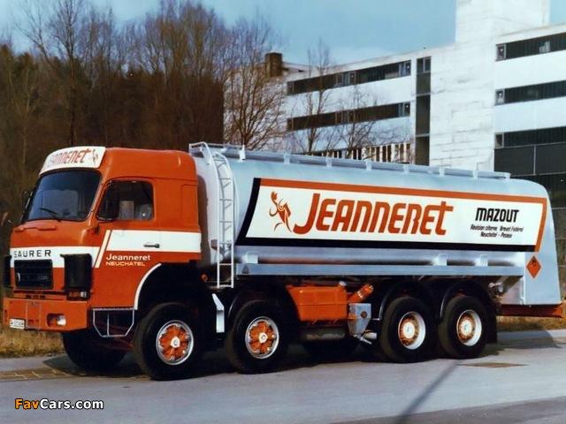 Photos of Saurer D330 8x4 Tanker 1976–82 (640 x 480)