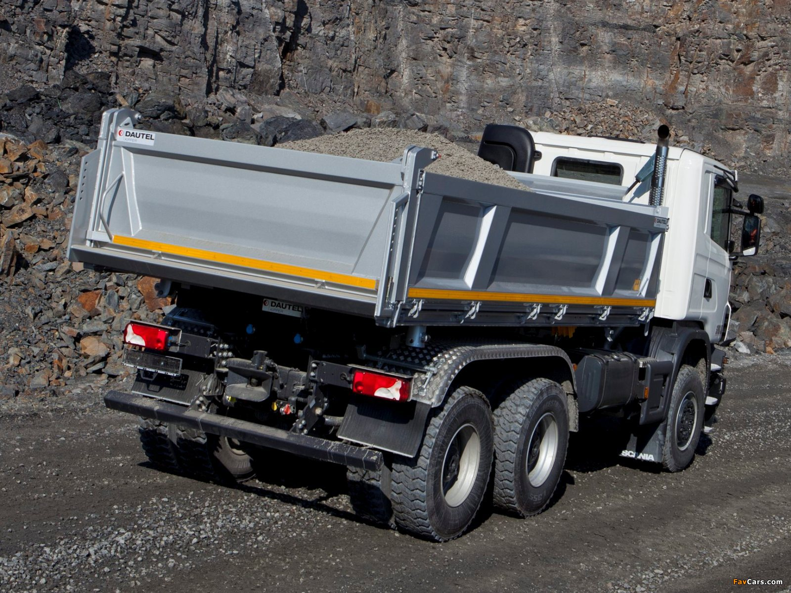 Photos of Scania G440 6x6 Tipper Off-Road Package 2011 (1600 x 1200)