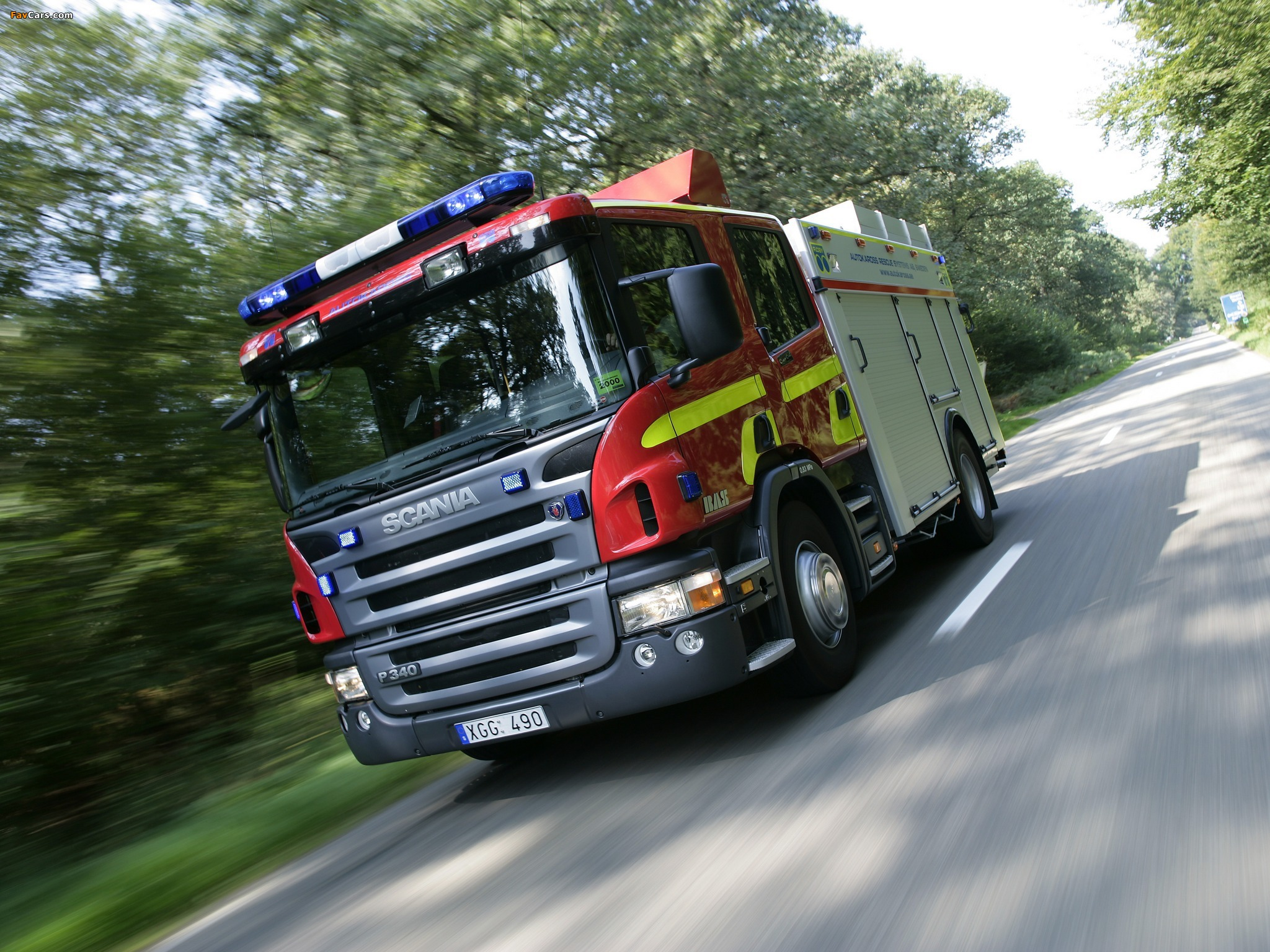 Scania P340 4x2 Crew Cab Fire Engine 2005–10 wallpapers (2048 x 1536)